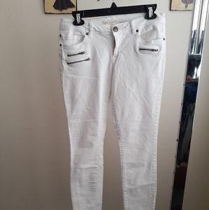 Life in progress white jeant.. size 28.